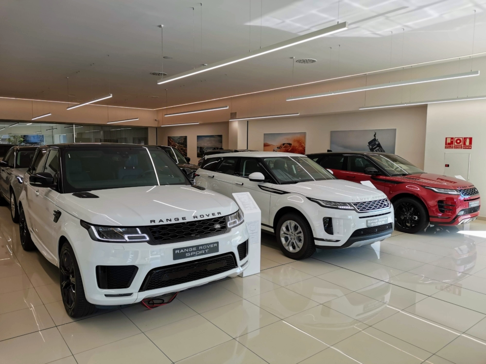 Une concession Land-Rover en Europe